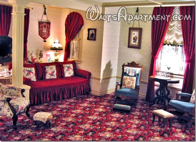 Family room - www.WaltsApartment.com
