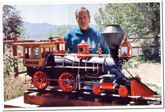 Roger Broggie Jr. and the Lilly Belle 2 - WaltsApartment.com
