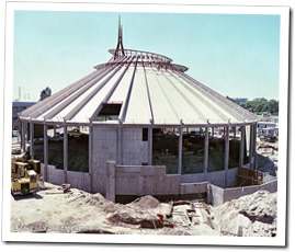 Construction of Space Mountain - www.WaltsApartment.com