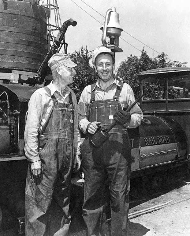 Bill Jones and Walt Disney | WaltsApartment.com