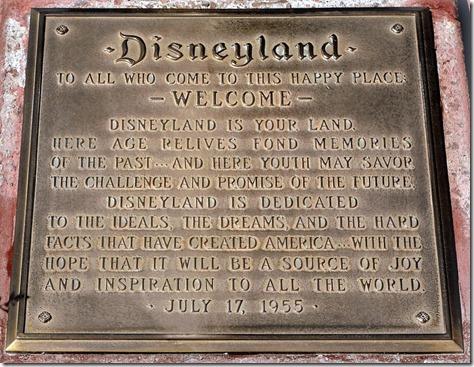 Disneyland Dedication   WaltsApartment.com